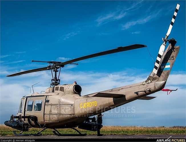 Trực thăng UH-1 rất tiện dụng trong mọi tình huống