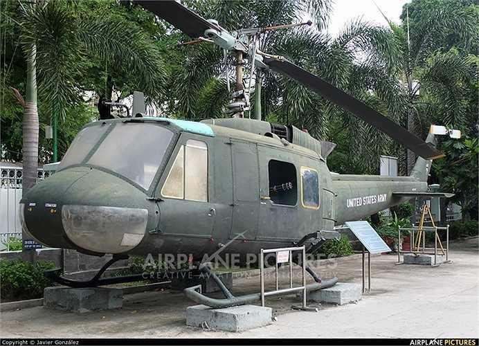 Chiếc máy bay được sử dụng trong quân đội Mỹ vào năm 1959 và đưa vào sản xuất hàng loạt năm 1962 dưới tên UH-1