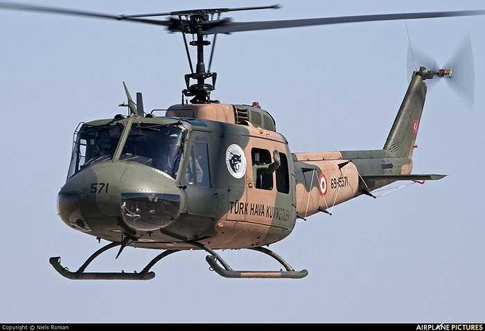 Trong chiến tranh Việt Nam, trực thăng UH-1 một thời đã đóng vai trò chủ lực trong chiến thuật 'trực thăng vận' của Mỹ