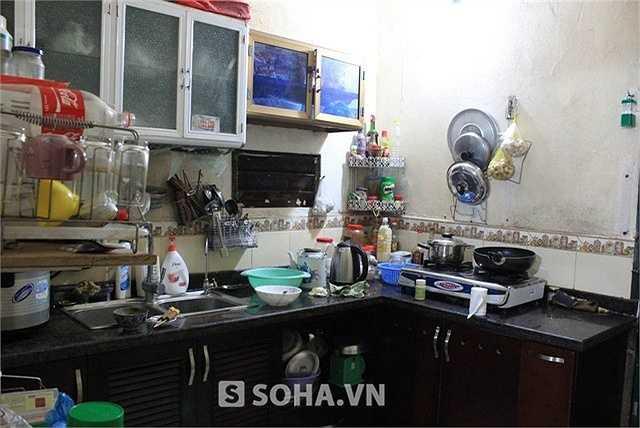 Vẻ đơn sơ, tềnh toàng trong căn bếp nhà Chu Văn Quềnh. Ảnh: Soha