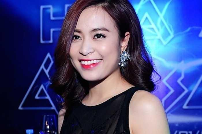 Ngày 21/1, Hoàng Thùy Linh có mặt trong buổi họp báo ra mắt chương trình The remix - Hòa âm và ánh sáng.