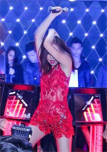 Hiếm có nữ ca sỹ Việt nào vừa nhảy vừa hát thuần thục như Hoàng Thùy Linh.