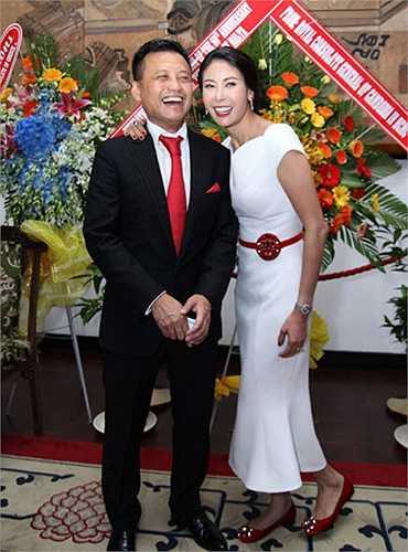 Sau khi trở thànhhoa hậu Việt Namđăng quang trẻ tuổi nhất (16 tuổi), trải qua sóng gió của cuộc hôn nhân đầu tiên,hoa hậuHà Kiều Anhhiện đang có cuộc sống viên mãn cùng chồng là doanh nhânHuỳnh Trung Nam.