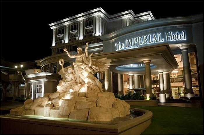Chồng Hoa hậu Hà Kiều Anh sở hữu nhiều công ty con hoạt động trong các lĩnh vực khác nhau.