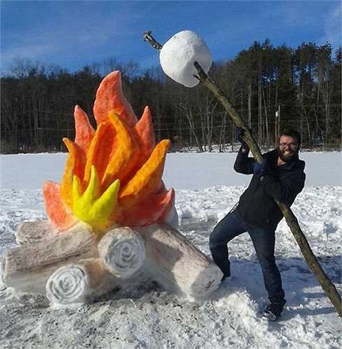 Ngọn lửa khổng lồ