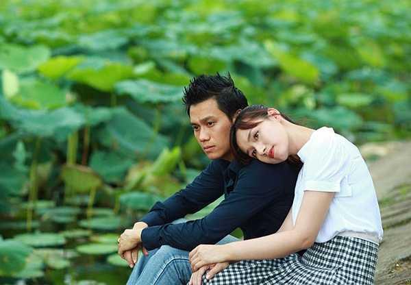 Lã Thanh Huyền – phim Tình yêu không hẹn trước: Các nàng 'lọ lem' vẫn luôn gây được ấn tượng và tạo nên sự tò mò đối với các chàng trai, đặc biệt là các chàng công tử nhà giàu. Một trong những chuyện tình 'lọ lem – hoàng tử' thời hiện đại trong phim Việt phải kể đến chuyện tình của Huy (Việt Anh đóng) và Mai (Lã Thanh Huyền đóng) trong 'Tình yêu không hẹn trước'.
