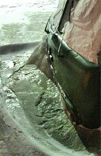 Đường ống nước bị vỡ trong thời tiết -40 độ C