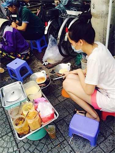 Thời gian mang bầu Diễm Hương chịu khó ra ngoài và cũng không bỏ qua những món ăn vỉa hè bình dị mà mình yêu thích. (Theo Vietnamnet)