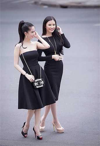 Ngọc Trinh đã tiếp tục khẳng định mức độ chịu chơi của mình khi sắm thêm một chiếc túi xách nhỏ của thương hiệu cao cấp Chanel với giá lên đến hơn 300 triệu đồng.