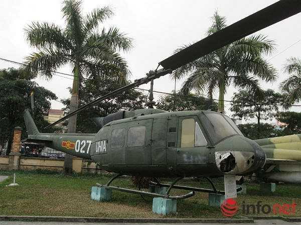 Đây là loại trực thăng quân sự đa năng, nổi tiếng vì được sử dụng nhiều trong chiến tranh Việt Nam. Nó thường được biết dưới tên dùng trong Thủy quân lục chiến Mỹ là Huey. (Theo Infonet)