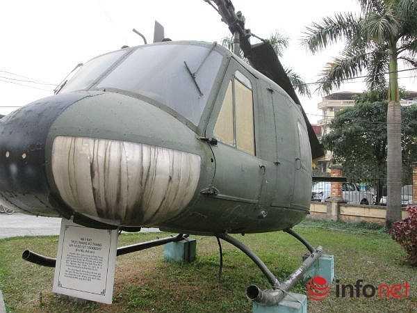 Máy bay trực thăng UH1 dài 17,4 m; cao 4,39 m; trọng lượng rỗng 2.365 kg, có tải 4.100 kg, trọng lượng cất cánh tối đa 4.309 kg. (Theo Infonet)