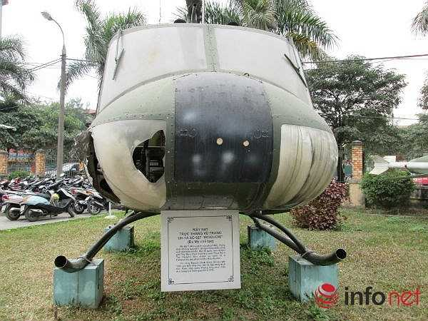 Là loại trực thăng đa năng có thể gắn 2 khẩu súng 6 nòng với 12.000 viên đạn, bên 2 cánh treo 14 quả tên lửa để trở thành một trực thăng vũ trang yểm trợ hỏa lực lợi hại trên không. Khi tháo súng ra, nó có thể trở thành một trực thăng chở quân hoặc cứu thương. (Theo Infonet)