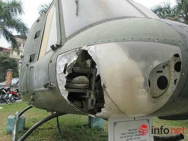 Máy bay trực thăng vũ trang UH-1A số 027  Iroquois (Theo Infonet)
