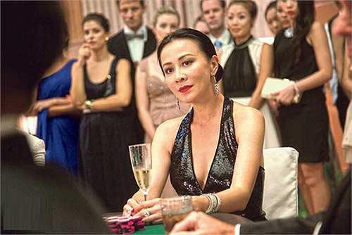 Trong phim, nữ diễn viên nổi tiếng có một mối quan hệ khá rắc rối với Châu Nhuận Phát. Khán giả sẽ có cơ hội được chứng kiến màn tung hứng của cặp đôi nổi tiếng trên màn ảnh.