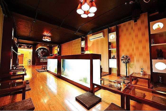 Năm 2012, Mỹ Tâm khai trương trụ sở làm việc của riêng cô tại đường Nam Kỳ Khởi Nghĩa. Đây là một vị trí đắc địa, đắt đỏ và sầm uất bậc nhất Sài Gòn. Ở thời điểm đó, tòa nhà được xác định có trị giá xấp xỉ 100 tỷ VNĐ.