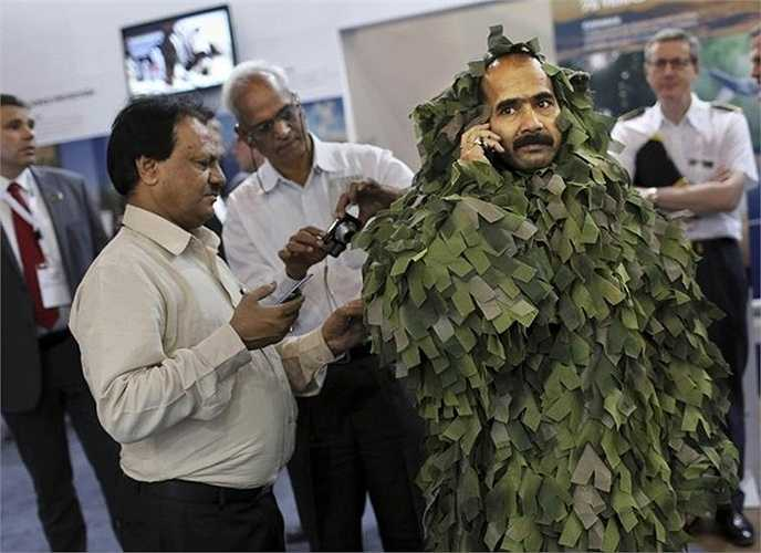 Binh lính Ấn Độ trong cuộc triển lãm tại New Delhi