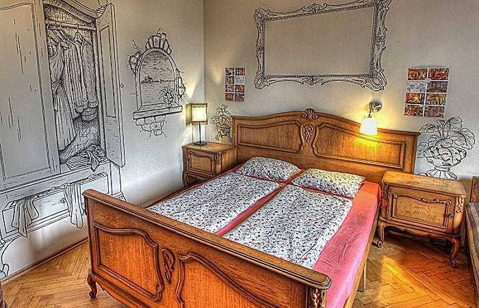Với một bầu không khí ấm áp, đây là nơi rất lý tưởng dành cho các cặp vợ chồng muốn tìm kiếm sự lãng mạn và riêng tư, nhưng cũng rất nhẹ nhàng, đơn giản.  Giá một phòng đôi là 14 bảng Anh (tức khoảng 450.000 đồng)/người/đêm.