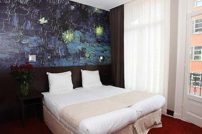 Giá mỗi giường từ 20 bảng Anh (khoảng 650.000 đồng); giá phòng riêng từ 36,38 bảng Anh (khoảng 1,2 triệu đồng).
