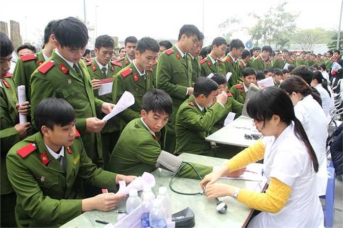 Hoạt động này do Tổng cục Chính trị CAND trên cơ sở đề nghị của Viện Huyết học và Truyền máu T.Ư. Ngân hàng TMCP Công thương Việt Nam Vietinbank đồng hành cùng ngày hội.