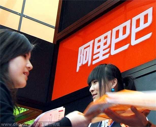 Tỷ phú này tình cờ biết đến Internet trong một chuyến đi đến Mỹ vào giữa những năm 1990. Ông đã gõ cụm từ 'Chinese beer' vào một công cụ tìm kiếm, nhưng không một kết quả nào hiện ra. Từ đó, ông đã nảy sinh ra ý tưởng và lập ra Alibaba - tập đoàn thương mại điện tử hàng đầu thế giới hiện nay.