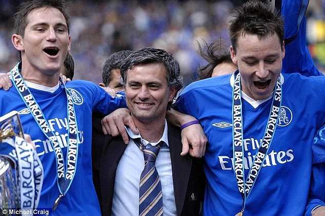 Frank Lampard đã có quãng thời gian 13 năm đầy ắp kỉ niệm cùng với Chelsea. Và tại sân Stamford Bridge, anh vẫn luôn là huyền thoại trong mắt các CĐV.