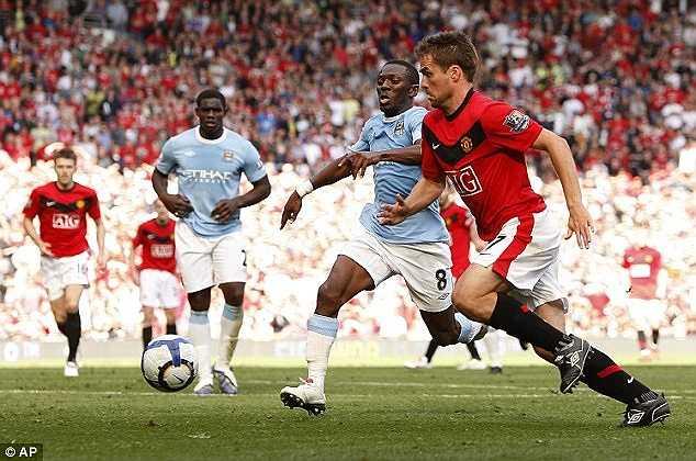 Trong quá khứ tại Premier League, có không ít những trường hợp ghi bàn vào lưới đội bóng cũ. Điển hình có Michael Owen, khoác áo Man Utd ghi bàn vào lưới Man City.