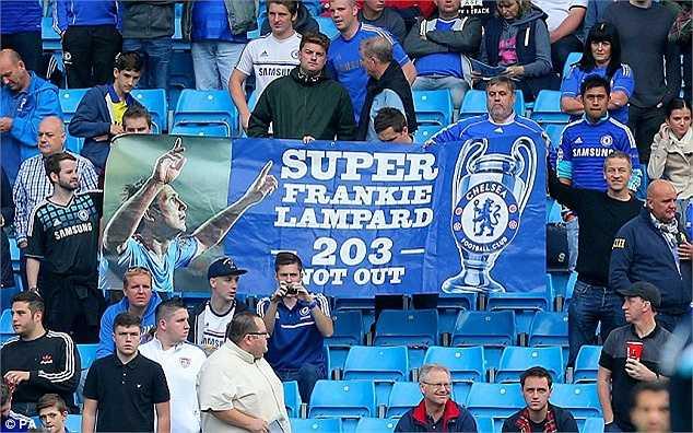 Lampard vẫn là huyền thoại của những CD)V The Blues.