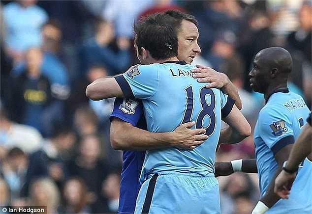 Các đồng đội cũ vẫn rất tôn trọng người cựu đội trưởng Chelsea.