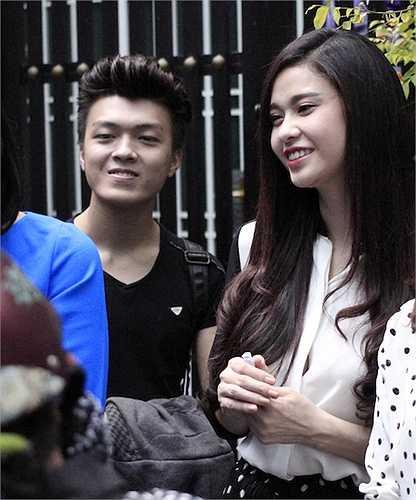 Đồng hành cùng Trương Quỳnh Anh là chàng ca sỹ trẻ gốc Bắc Khánh Hoàng. Sau cuộc thi Solo cùng bolero, Khánh Hoàng được nhiều người biết đến và thường xuyên nhân lời mời tham dự các chương trình âm nhạc cộng đồng, các chương trình từ thiện.