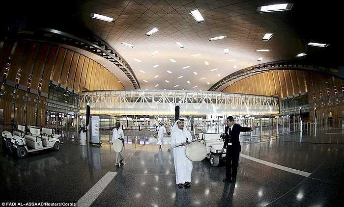 Sân bay Quốc tế Hamad ở Doha, Qatar mới được đưa vào sử dụng khiến nhiều người choáng ngợp về sự sang trọng.