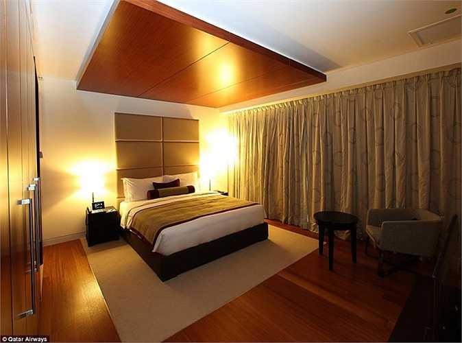 Phòng trong khách sạn của sân bay hết sức sang trọng, tiện nghi. Khách có thể thuê trong 3 tiếng để nghỉ ngơi.