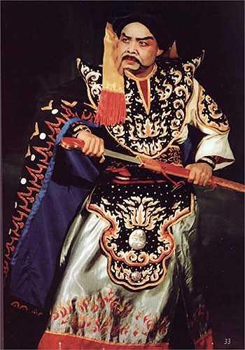 Thế nhưng, điều may mắn với nghệ sĩ Hán Văn Tình là có được một người vợ rất chịu thương chịu khó, luôn đồng cam cộng khổ với chồng không một lời ca thán.
