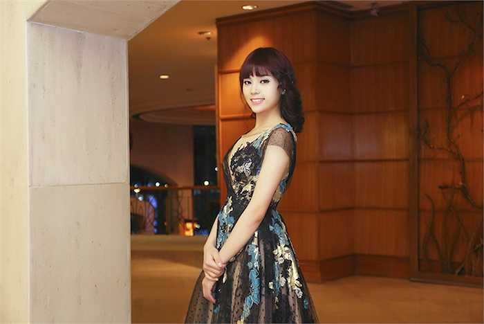 Sau cuộc thi Hoa hậu Việt Nam 2014, người đẹp gặp khá nhiều lời chê bai về nhan sắc.