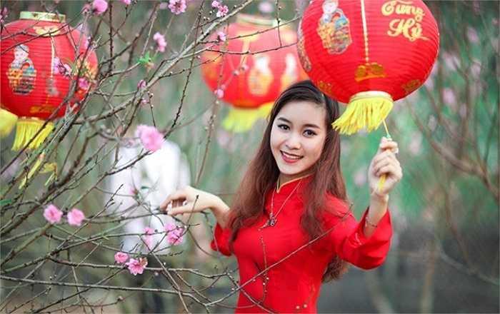 Và đáng chú ý nhất là làm đại diện hình ảnh cho một ngân hàng lớn của Việt Nam.