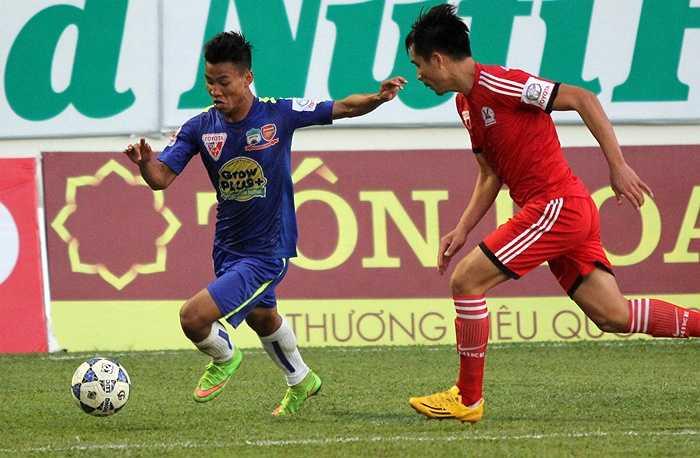 Vũ Văn Thanh cũng mang về bàn quân bình tỷ số 1-1 cho 'Gỗ'. (Ảnh: Minh Trần)