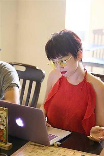 Hình ảnh của Tóc Tiên luôn để lại ấn tượng mạnh đối với khán giả. Cô được gọi là Miley Cyrus của Việt Nam bởi phong cách nổi loạn của mình.