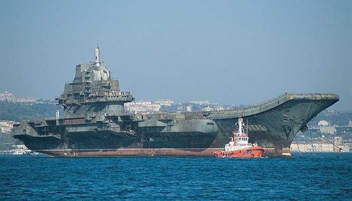 Tàu sân bay Varyag, 2,4 tỷ USD - Sau khi Xô-viết sụp đổ, 30% chưa hoàn thành từ dự án Varyag được chuyển giao cho Ukraine. Sau này, nó được bán lại cho Trung Quốc. Hiện tại nó được dùng làm nơi huấn luyện hải quân và trong tương lai sẽ là tàu sân bay thứ hai mà Trung Quốc sở hữu