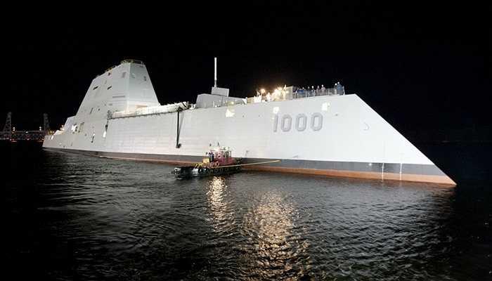 DDG 1000 Zumwalt, 7 tỷ USD - Đây là tàu chiến đấu có khả năng tàng hình, vượt qua được sóng radar và khả năng phóng những tên lửa đất đối không hiện đại. Đặc biệt, tàu chiến đấu của Mỹ được trang bị công nghệ tự động có thể giảm tới một nửa số lượng người vận hành