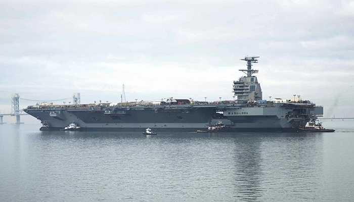 Tàu sân bay USS Gerald Ford, 13 tỷ USD - Phương tiện quân sự đắt nhất thế giới là USS Gerard Ford từ Hoa Kỳ với giá 13 tỷ USD. Nó có thể chứa tới 5.000 binh lính. Đến năm 2019, khi tàu sân bay này hoàn thiện hoàn toàn, nó có thể vận chuyển vũ khí nhanh hơn bình thường 25%