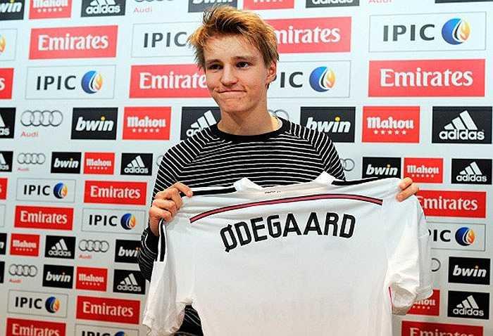 Mới 16 tuổi nhưng Martin Odegaard gây được tiếng vang lớn khi nhận mức lương 100.000 euro/tuần tại CLB mới Real Madrid