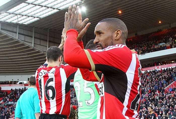 Tiền đạo Jermain Defoe trở lại Premier League trong màu áo Sunderland