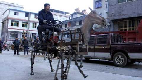 Lấy cảm hứng từ Khổng Minh, nông dân chế tạo ngựa máy