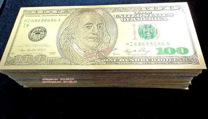 Những tờ tiền đô la mạ vàng có thể được dùng làm tiền mừng tuổi có giá khoảng trên dưới 300.000 đồng. Ảnh: Thế giới tiền