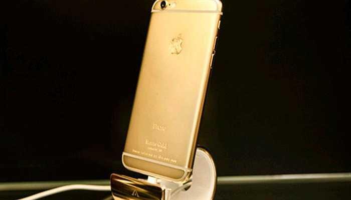 Ngoài ra, còn có các sản phẩm điện thoại mạ vàng độc đáo. Trong ảnh là chiếc iPhone 6 được mạ vàng 24k sang trọng