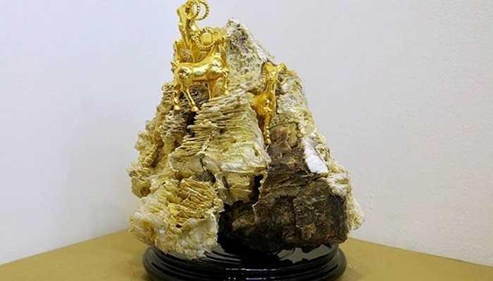 Đặc biệt bộ Tam Dương Thái mạ vàng cỡ nhỏ có giá trên 80 triệu đồng - Ảnh: Infonet