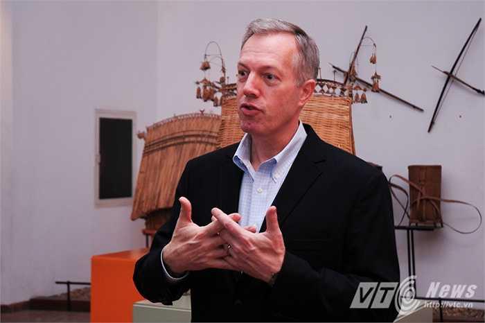 Đại sứ Ted Osius ngưỡng mộ văn hóa đa dạng của Việt Nam và gửi lời chúc Tết bằng Tiếng Việt đến người dân Việt Nam (Tùng Đinh/Thực hiện)