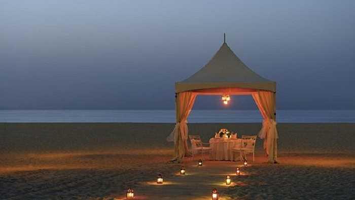 Một cách bày trí tuyệt vời cho bữa tối trên biển.
