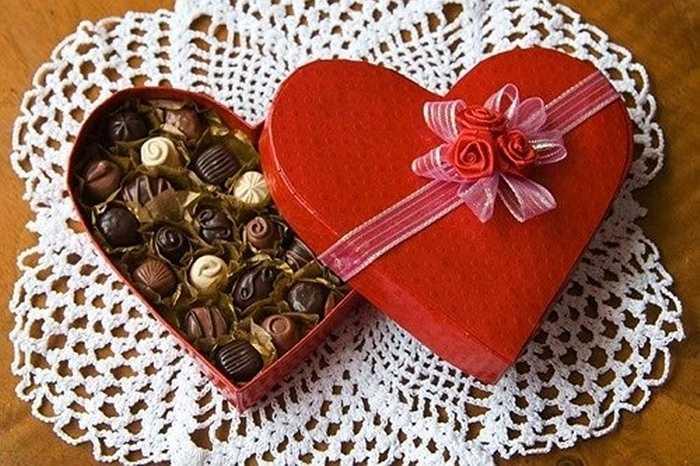 36 triệu hộp đựng chocolate hình trái tim được tiêu thụ trong ngày lễ tình nhân.