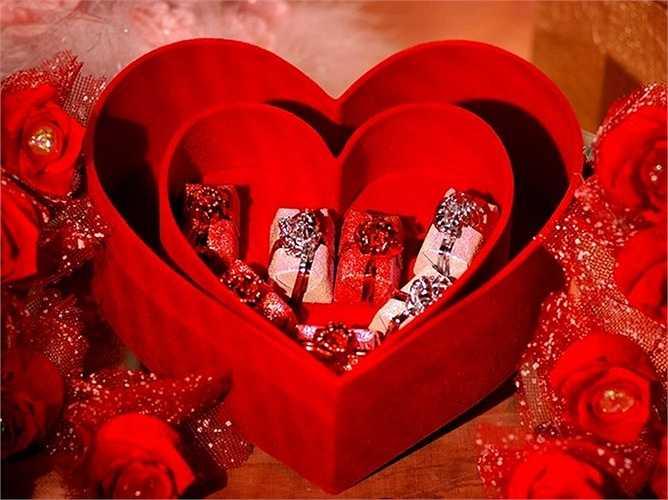 Trong khi đó, nữ giới thường chi khoảng 88,78 USD để mua quà và lên kế hoạch tổ chức ngày Valentine bên người thương.