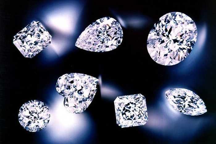Người Mỹ chi khoảng 4,4 tỷ USD để mua trang sức như kim cương, vàng và bạc để tặng người yêu trong dịp Valentine.